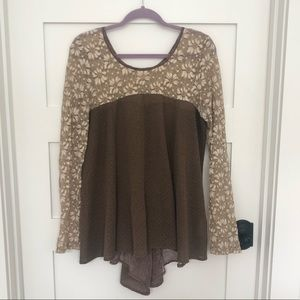 Altar'd State Top size Large